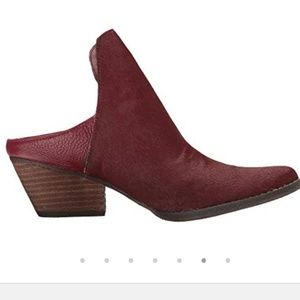 Very volatile chica  wine leather booties 8